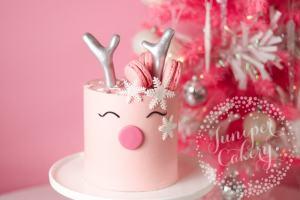 Benefit Cosmetics x Juniper Cakery: Reindeer Cake Tutorial!