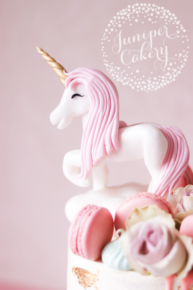 Fondant unicorn by Juniper Cakery