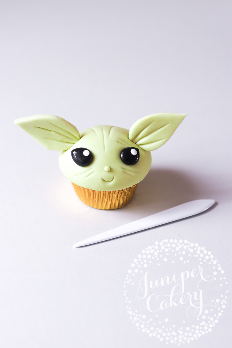 Fun Yoda cupcake how to by Juniper Cakery
