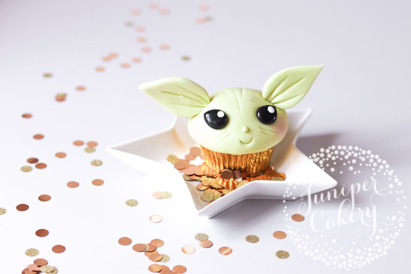 Cute Baby Yoda cupcake tutorial by Juniper Cakery