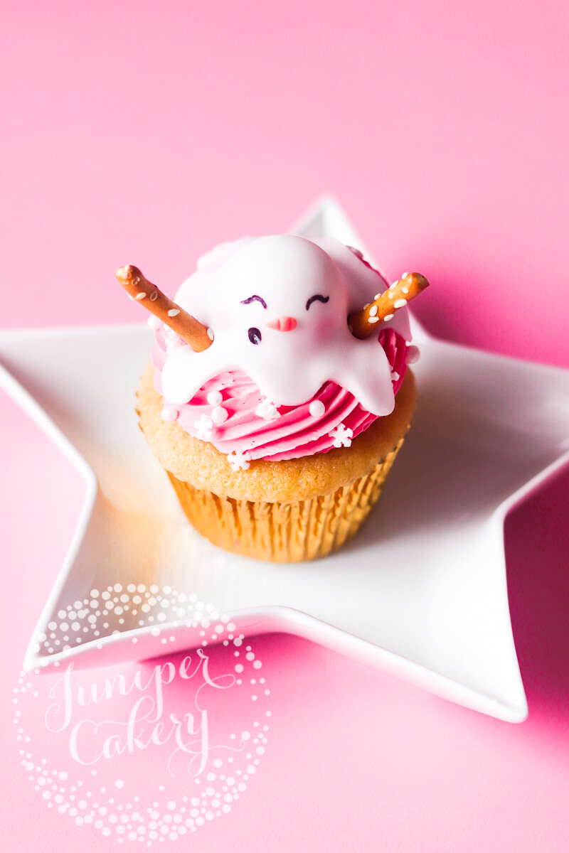 Winter Cupcake Tutorial by Juniper Cakery