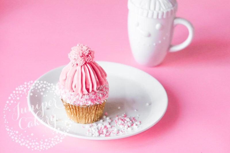 How to pipe a bobble hat cupcake by Juniper Cakery