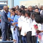 Jovenel Moïse accueille chaleureusement les Grenadières 52