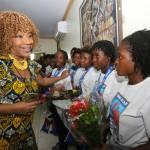 Jovenel Moïse accueille chaleureusement les Grenadières 43