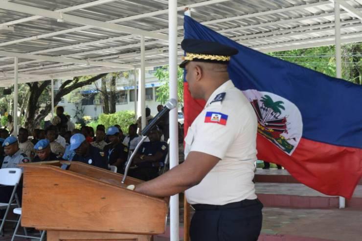 Haïti / Sécurité : 106 policiers 99 hommes dont 7 femmes viennent de renforcer les rangs du CIMO 42
