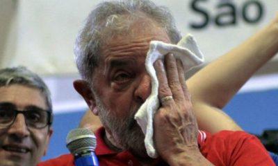 Corruption : L'ex-président brésilien 'Lula da Silva' se rend à la police et passe sa première nuit en prison 26