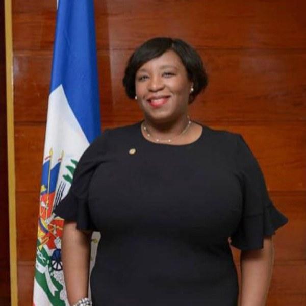 Régine Lamur, Ambassadeur nommé à Cuba, n'a pour boussole que les intérêts d'Haïti
