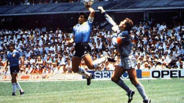 Ajantin - Angletè: Maradona make ak men, abit santral match sa ap bay detay