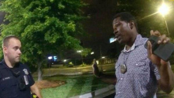 Rayshard Brooks, un noir abattu par des agents de police à Atlanta