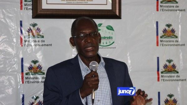 Le ministre de l'environnement dénonce l'absence de civisme environnemental