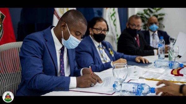 Haïti-République dominicaine: signature d'un accord de coopération éducative
