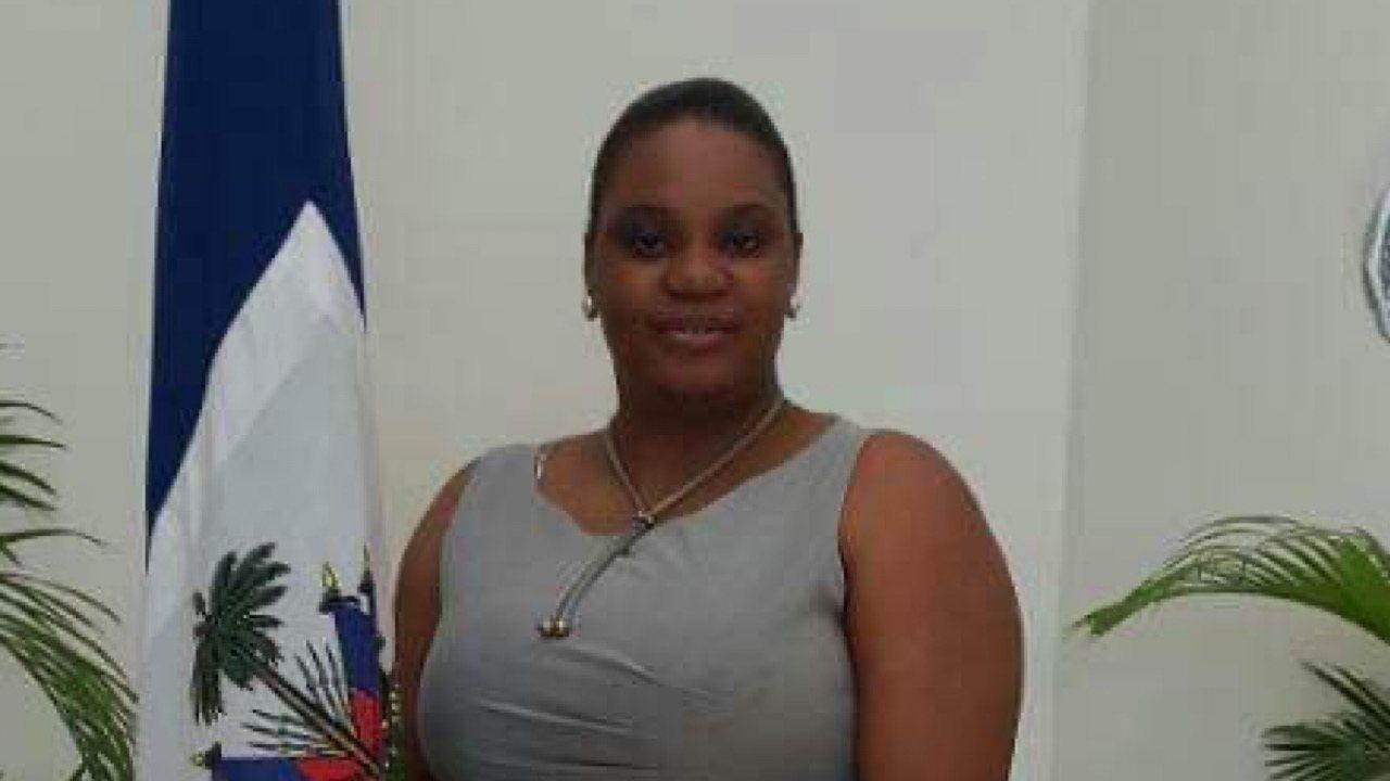Covid-19: décès de la journaliste Esther Dorestal Alexis