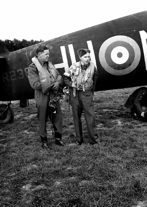 D.G. Morris (right) and Flight Lieutenant Johnston standing by Beaufighter of 406 Squadron.