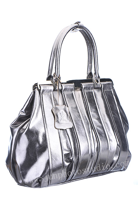 product photographer handbag