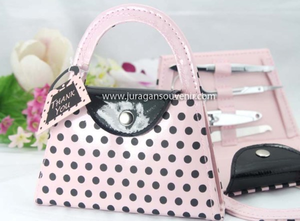 pot dot hand purse manicure set G2 039 $ 0.79