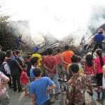 Arus Pendek Listrik   Rumah Semi Permanen di Medan Area Terbakar