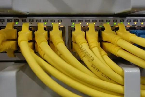 Kabel UTP, salah satu media yang digunakan pada wired network