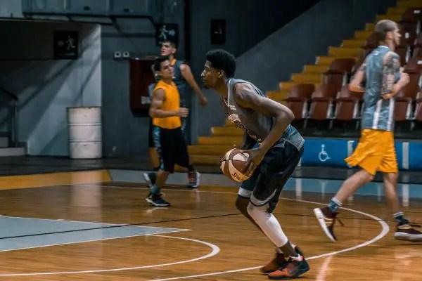 pemain bola basket dan tugasnya