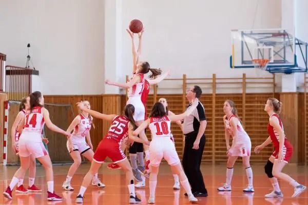 Pelanggaran dalam Permainan Basket
