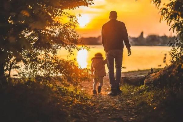 Contoh Teks Deskripsi Tentang Ayah
