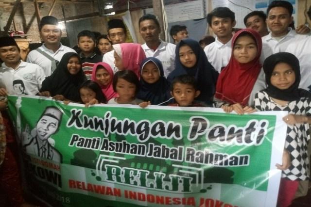 Relawan Jokowi Sulsel Kunjungan Baksos ke Panti Asuhan Jabal Rahmah