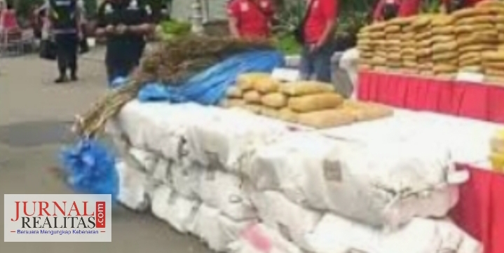 Petugas Gabungan Pospam Polres Simalungun Amankan WNA Asal Mesir Bawa Ganja 63 Gram