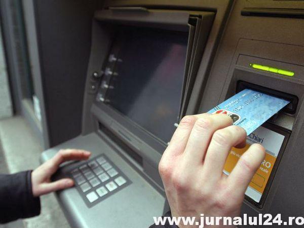Câţi bani îţi ia banca într-un an dacă ai salariu pe card