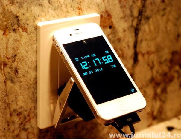 volt-buckle-smartphone-charger-2