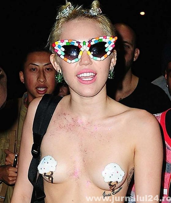 Miley Cyrus seminud