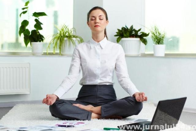 yoga la birou