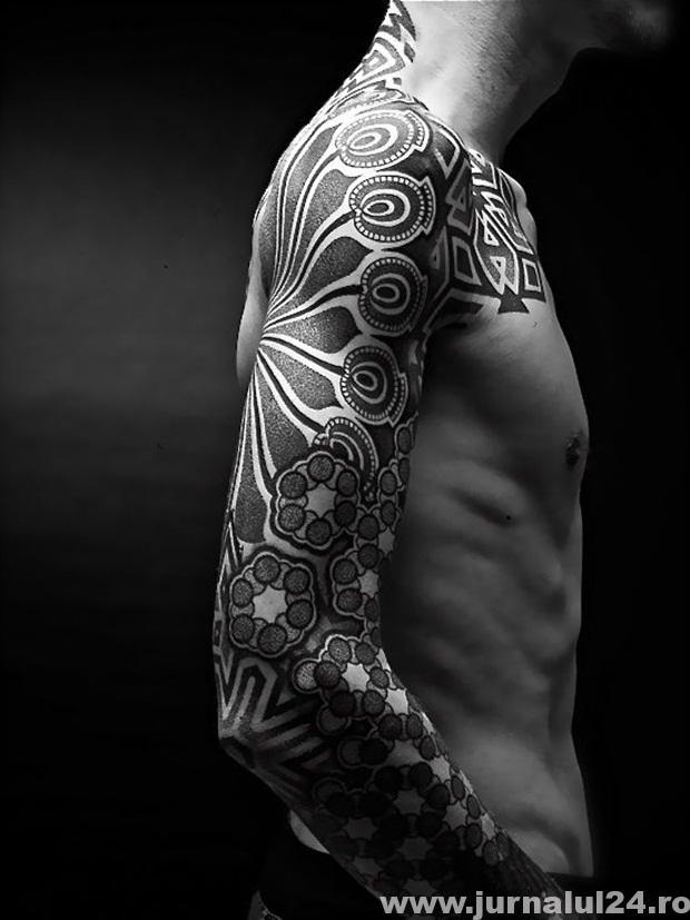 super tatuaj barbat