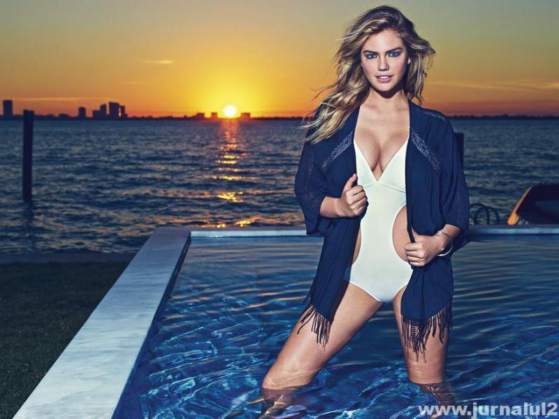 Kate Upton apare sexy din nou în bikini
