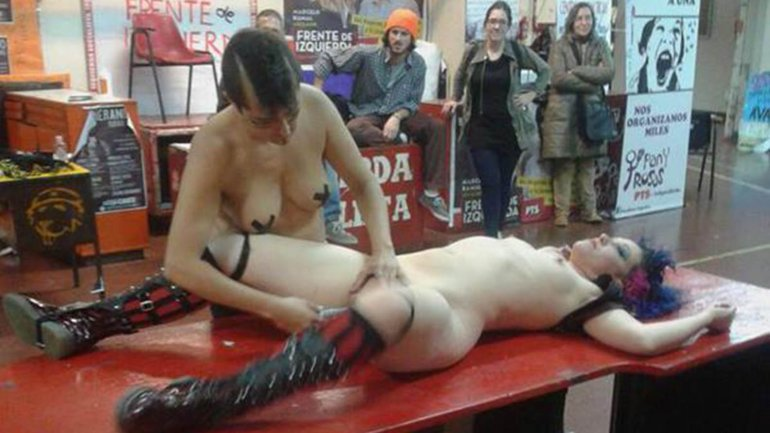 spectacol sexual universitate