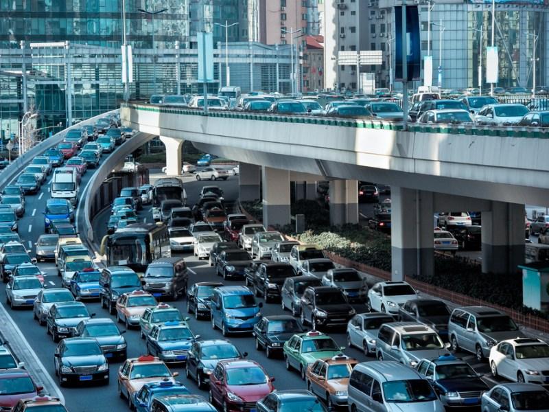 Cele 5 țări cu cele mai multe maşini din lume