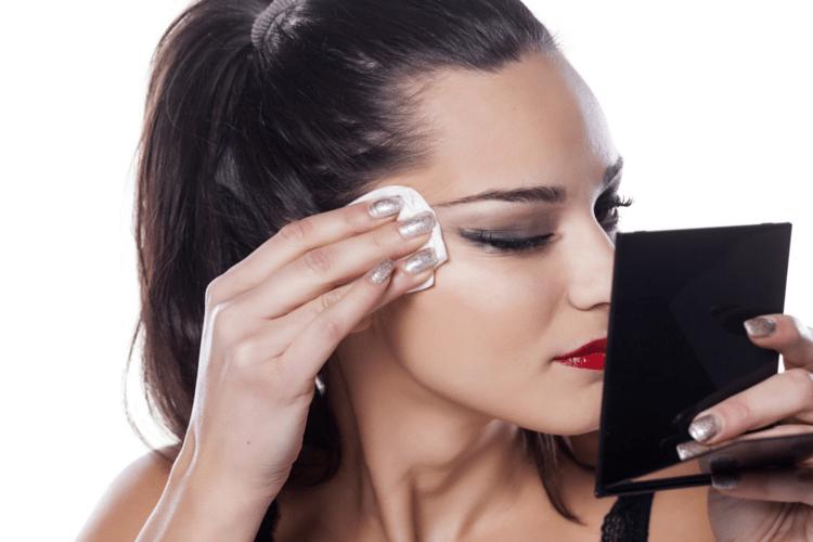 elimina make-up