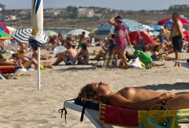 femeie la plaja