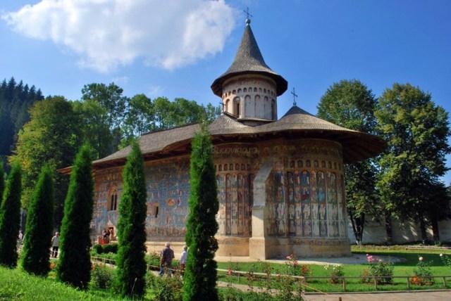 Manastirea-Voronet-2