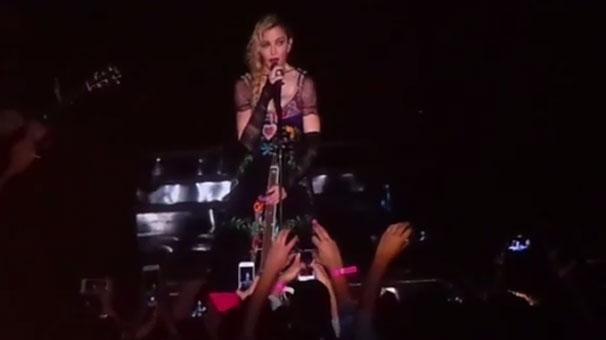 Video: Madonna a plâns pentru victimele care au murit în atentatele de la Paris