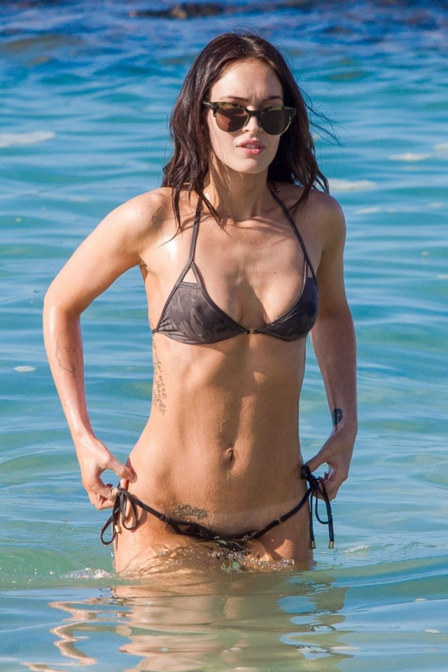 Megan-Fox-imagine-la-plaja