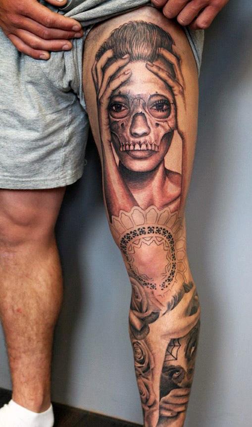 tatuaj-frumos-pe-picior