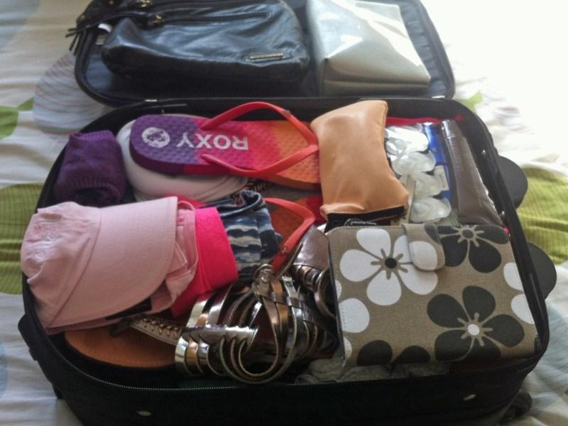 Cum sa impachetezi eficient – trucuri pentru un bagaj bine organizat