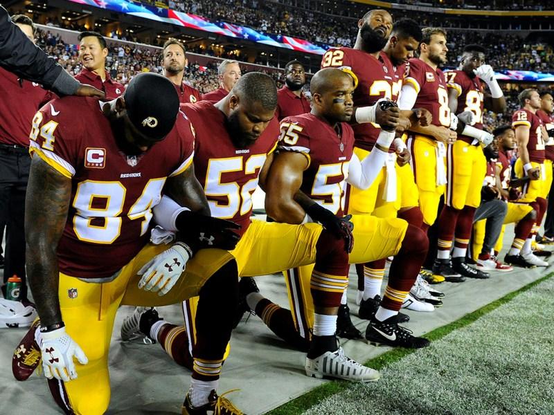 Cine vrea să distrugă fotbalul american?