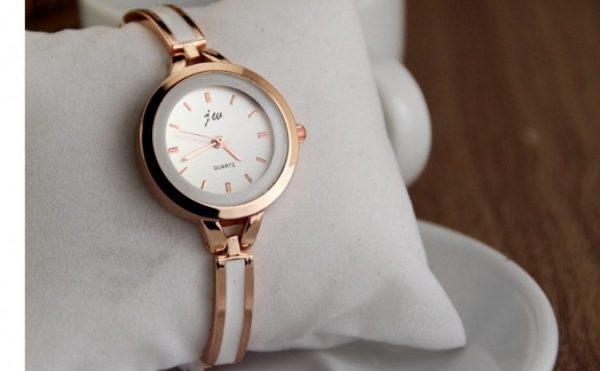 Esti sigur ca stii sa alegi ceasul potrivit pentru ea?