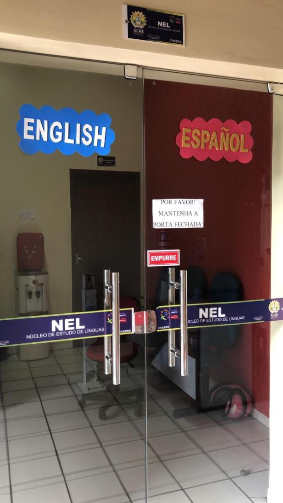 Núcleo de línguas de Cruzeiro do Sul.