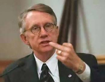 harry-reid-flips-the-bird