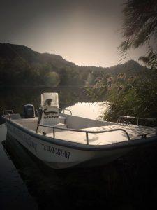Rio Ebro Angling's California Skiff