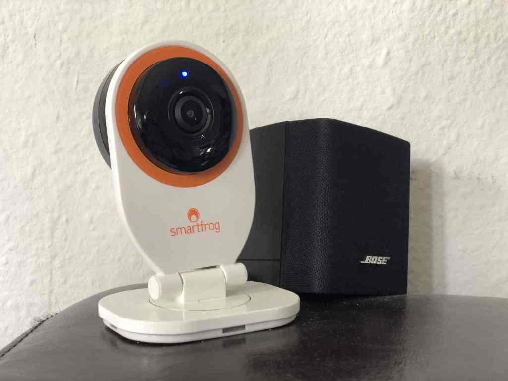 Die Smartfrog WLAN HD IP-Sicherheitskamera zeichnet in der Abwesenheit der Bewohner alles auf – und informiert über Bewegungen und Geräusche. Foto: Sascha Tegtmeyer