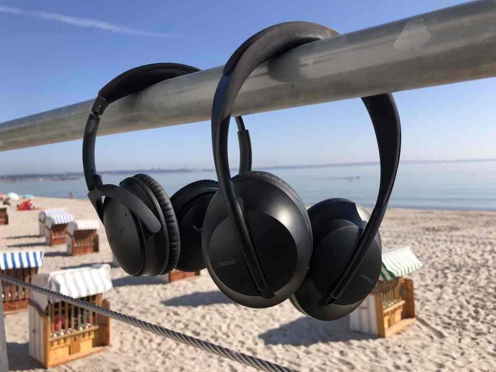 Der Bose QuietComfort QC35 II ist völlig zurecht ein Bestseller und bleibt neben dem neuen Noise Cancelling Headphones im Programm.