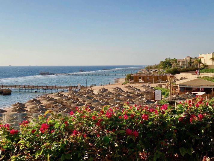 Herrlicher Ausblick auf das Saumriff auf den Strand und das Saumriff vor der Küste Sharm El Sheikhs. Foto: Sascha Tegtmeyer