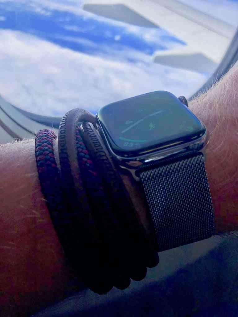 Auf Reisen immer mit dabei: meine Smartwatch. Foto: Sascha Tegtmeyer